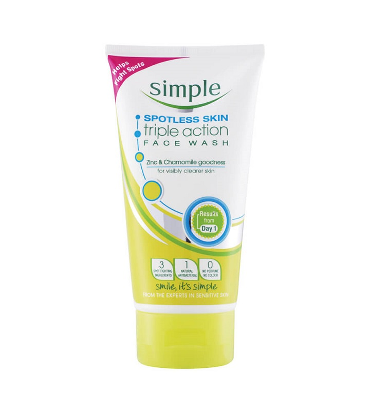 Review sữa rửa mặt Simple Spotless Skin Triple Action Face Wash